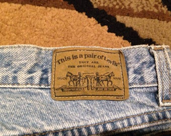 Vintage levis 900 series high waisted 80s jeans!!