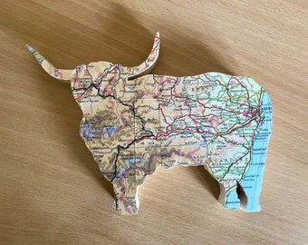 Handmade wooden cow, personalised map faced highland cattle wooden farmers gift, farm animals, cows. Mothers day present. Birthday.