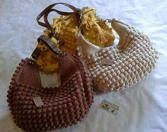 Crochet Bags . Brown / Off White crochet bag . Fashion bags  .  Festival Bags Chic !