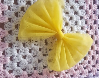 Simple yellow bow