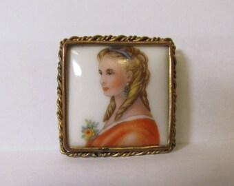 Vintage France/Limoge Portrait Pin W #570