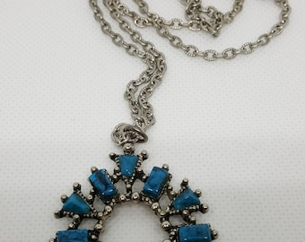 60s Faux Turquoise and silver horseshoe shaped Necklace