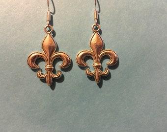 Fleur de lis earrings   AM23