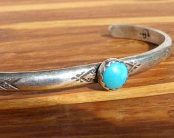 Zuni Sterling Silver and Turquoise bracelet xs. Signed Paquin
