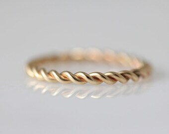 14k gold filled twist ring. thick version. (nautical rope ring. matte gold jewelry. stacking ring. satin finish. made to order.)