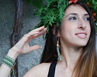 Boho Earrings / Green Earrings / Fringe Earrings / Fiber Jewelry / Bohemian earrings / Tribal Jewelry / Tassel
