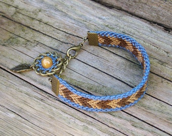 Dream catcher bracelet, Brown blue chevron, Beige wood dreamcatcher, Native american indian, Fiber wayuu jewelry, Ethnic boho feather charm