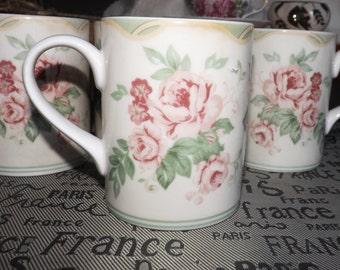 Vintage (1990s) Royal Doulton Bronte coffee or tea mug. Pink roses. Doulton Expressions dinnerware.