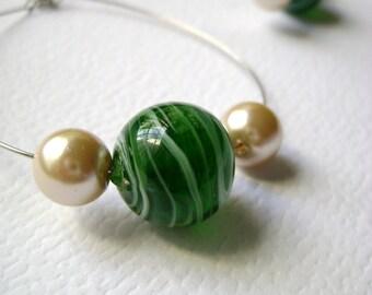 Simple minimalist big green earrings - My stylish way - Green handmade lampwork bead and glass pearls big earrings