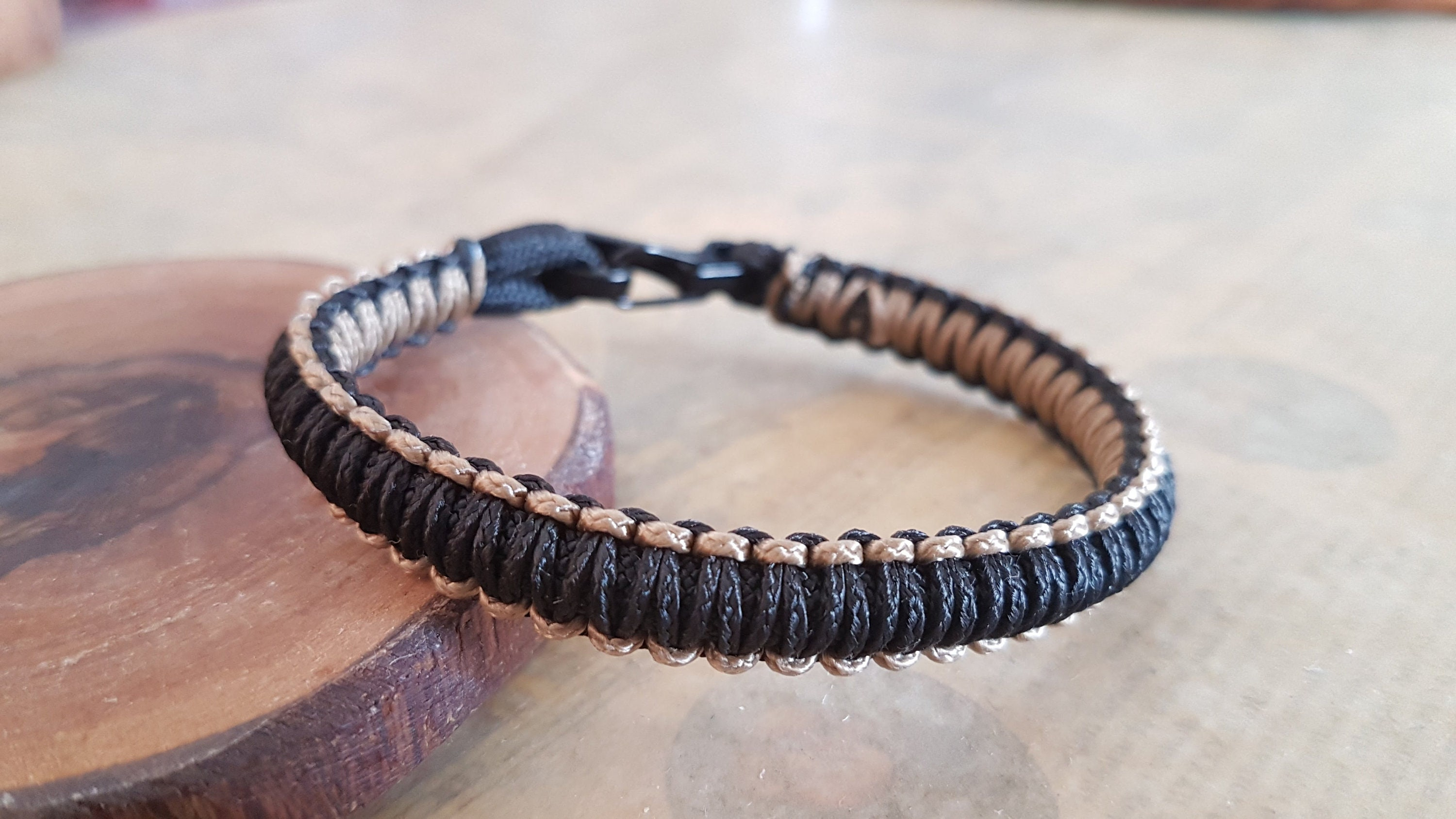 paracord pin bracelet and our advanced weave modified intricate one the an micro armored is spartan more microcord version a of cord fishnet bracelets premium with