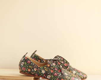 The Oxford Shoes in Floral Pattern | Leather Tie Shoes | Classic Derby Shoes | Floral Print