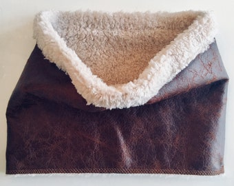 Faux leather Shearling lined collar