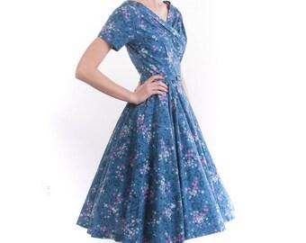 1950's Floral Cotton Garden Party Tea Dress/ 50's Full Skirt Gathering Dress
