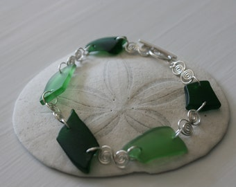 Emerald Green Recycled Glass & Sterling Silver Bracelet
