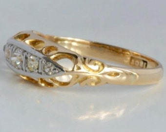 Vintage 18 k gold ring with diamonds