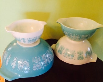 Vintage Pyrex Amish Butterprint Turquoise & White Set of 4 Cinderella Bowls 441 442 443 444