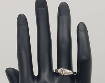 Vintage Sterling Silver CZ Heart Ring - Size 8