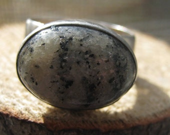 Handcrafted Vintage Southwestern Sterling Silver Ring with Spotted Jasper Stone Ladies Size 6 1/2