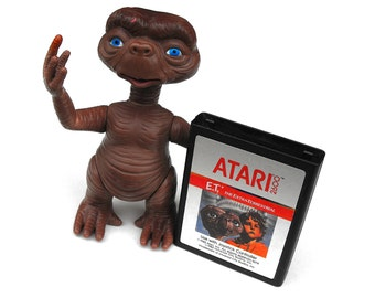 1980s ET and Atari 2600 Video Game Vintage Plastic Doll Figurine Rare Toy Childrens Boy Room Decor Retro Gamer Guy Gag Gift Pop Culture Icon