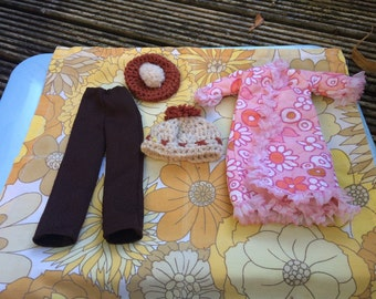 Vintage hand made Sindy clothes