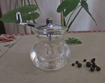 Vintage Plastic Pepper Mill, Plastic Pepper Grinder, Vintage Grinder Mill, Vintage Plastic Peppermill, Vintage Pepper Grinder, Plastic Mill