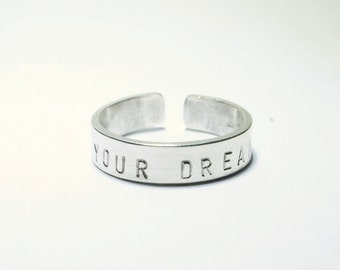 Live your dream ring