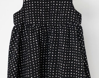 SUCRE D'ORGE - sleeveless skater dress for babies - black with polka dots