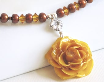 Small Real Rose Necklace - Yellow Rose, Flower Necklace, Real Flower Jewelry, Nature Jewelry, Pearl Necklace, Statement Necklace
