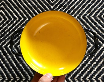 Vintage Small Viking Yellow Black Sizzling Server // Enamel Coated Metal Cook Pan Serveware // Mid Century Cookware Party // Made in Poland
