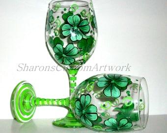 St. Patrick's Day Shamrocks 4 Leaf Clover Hand Painted Wine Glasses Set of 2- 20 oz. Kelly Green Gift Wedding Four Leaf Clover