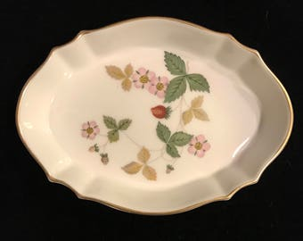 Vintage Wedgwood Wild Strawberry Trinket Dish jewelry dish catchall