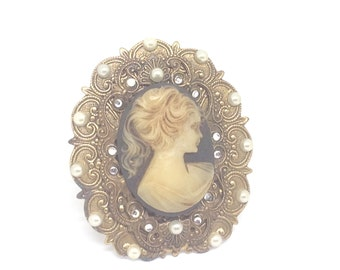 Gorgeous cameo, hidden heart brooch, vintage brooch, black cameo,triple layer