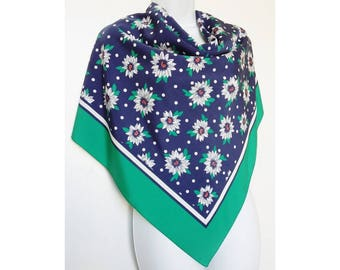 Vintage Ladies Daisy Scarf 1980s Bold Colour Daisies Flowered Blue Green Floral Eighties Statement Accessories