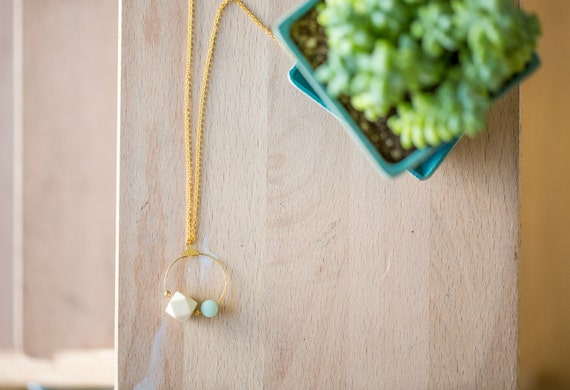 Round Amazonite Hoop Diffuser Necklace (Gold)