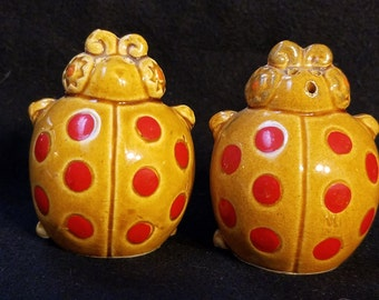 Lady Bug Salt and Pepper Shakers Made in Japan (1062)