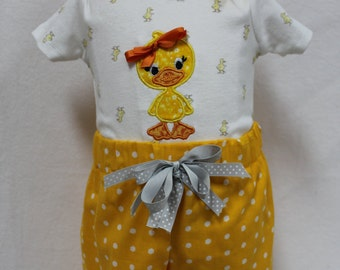 Baby girl clothes, baby girl gift, baby shower gift,  baby girl, summer clothes, beach, duckling, bodysuit, ruffle shorts, yellow, gray