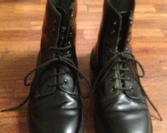 black leather lace up ankle boots Dr Martens boots, UK size 9 ITA 43 used 2 times