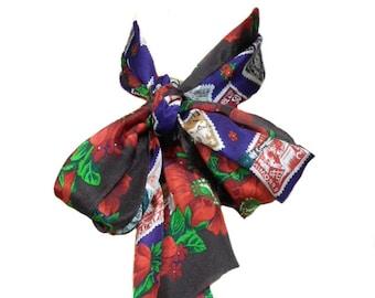 Vintage, foulard en soie OSCAR de la RENTA studio florale timbre / oblong / col foulard sur la tête / foulard vintage pour femmes