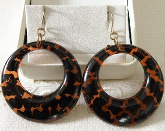 Smooth Faux Tortoise Round Earrings