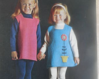 Vintage childrens knitting pattern jumper and dress / tunic, Sirdar 256 sunshine series