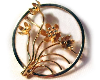 Giovanni Floral Circle Pin