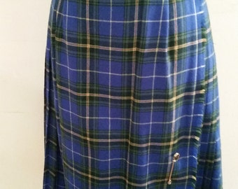 Vintage Ladies Kilt Tartan Plaid Skirt 1970's Made in Canada by Aljean 70's 100% Wool Size 6 Kilt Style Knife Pleat Skirt With Kilt Pin