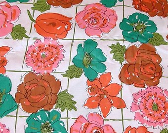Vtg Bright Flower Fabric - 1  1/2 yds - 54'' x 44''
