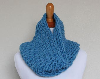 READY TO SHIP - Chunky Knit Cowl, Scarf, Oxygen Cowl, Sky Blue Cowl