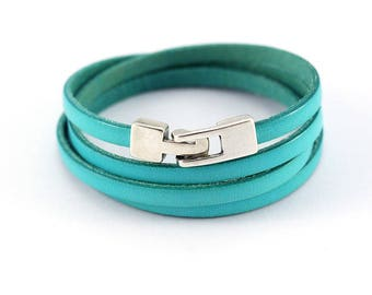 Bracelet turquoise leather Strip 5mm - 4 turns - women Leather Bracelet