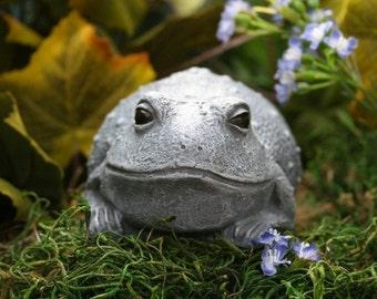 """Toad Garden Art - Concrete """"Butt Toad"""" Statue Handmade Cement Frog Sculpture"""