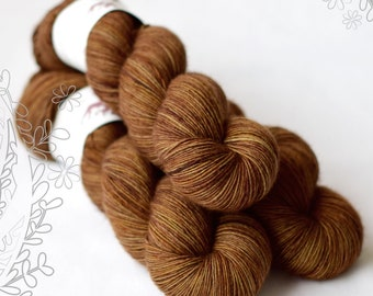 MERINO SLIGHT - Pot Roast OOAK - hand dyed yarn, 100% superwash extra fine merino, singles