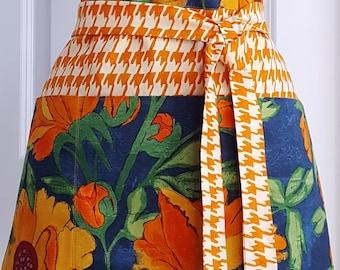 Women's Apron  - Blue Apron - Crafting Apron - Vendor Apron - Teacher Apron - Floral Apron - Gardening Apron - Server Apron
