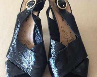 vintage 60s/70s black patent leather sandal