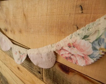 Double sided Scalloped Vintage Fabric Garland